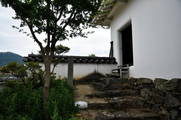 三の丸南隅櫓入り口